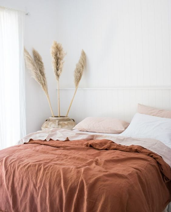linge de lit terracota, housse de couette couleur terracotta, housse de couette en lin couleur terracotta, housse de couette en lin brun, chambre couleur terracotta