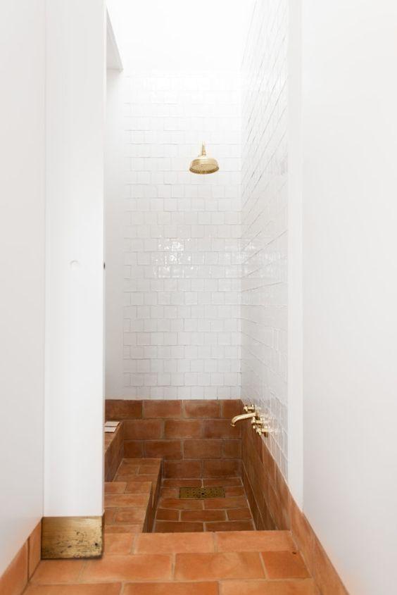 salle de bain, baignoire semi enterrée, baignoire au ras du sol, baignoire semi encastrable