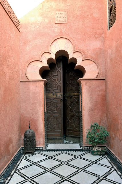mur couleur terracotta, pink wall, marrocco, antique house, architecture marocaine